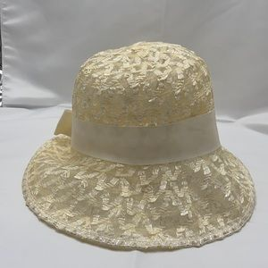 Straw and wire Cream Bucket hat, cream ribbon trim